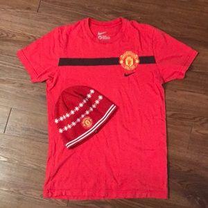 Manchester United T-shirt & beanie